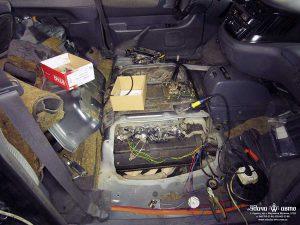 вид в салоне, установка гбо на Toyota Previa 1992 2.5