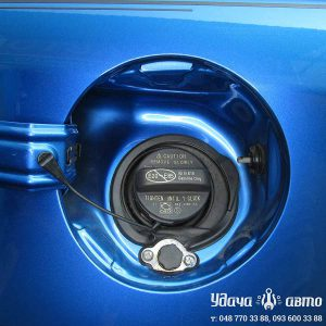 заправочный клапан на Toyota RAV4 2016 2.5