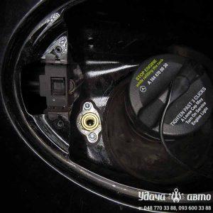 заправочный клапан гбо на Mercedes Benz GL550