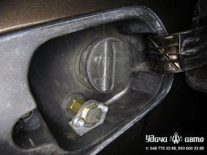 заправочный клапан гбо на Audi A8