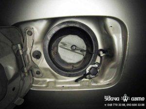 заправочный клапан гбо на Mazda MPV