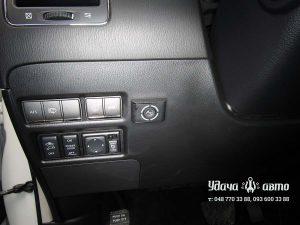 кнопка гбо в салоне на Infiniti QX56