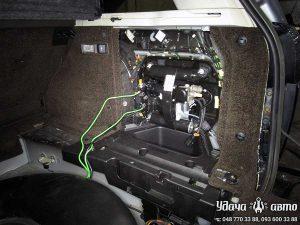 компрессор пневмоподвески на Range Rover